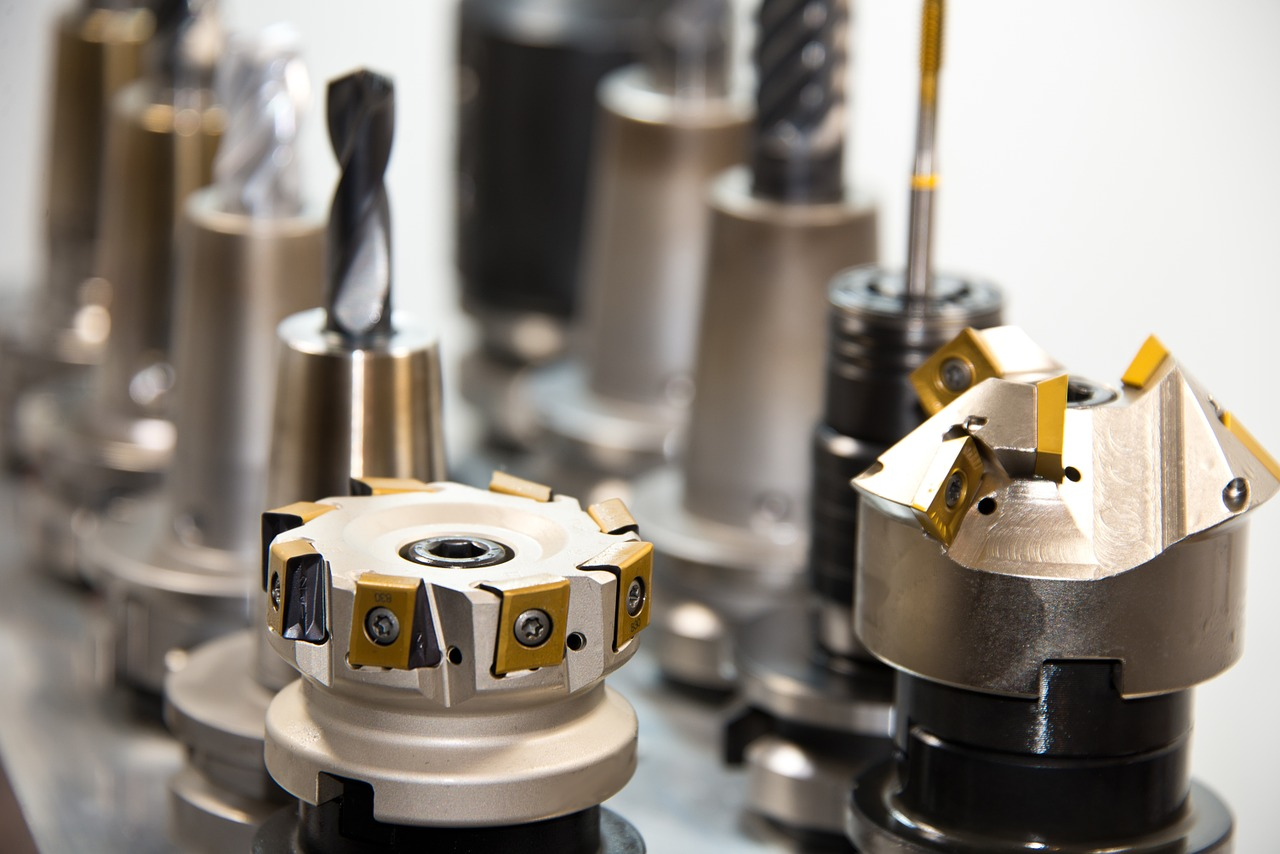 Here's why you should pick CNC lathe machines for manufacturing processes